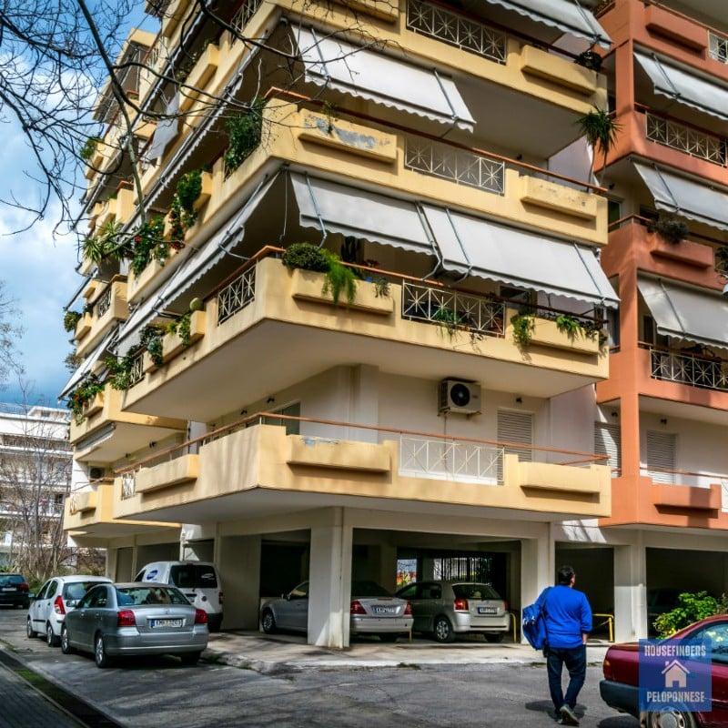 roznica-miedzy-kupnem-domu-a-mieszkania-grecji